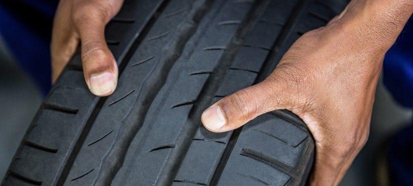 tire_hands
